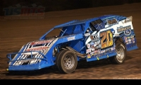 Tanner Mullens had a strong run at the inaugural USMTS event at the Salina Speedway in Salina, Kan., on Thursday, June 8, 2017.